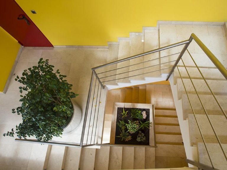 hospedium-hotel-encasa-escalera