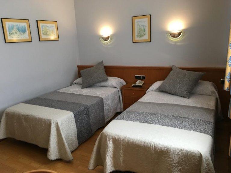 hospedium-hotel-encasa-habitacion doble 2 camas2